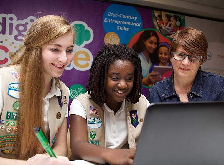 Girl Scouts Promotes Women in STEM With New National Program